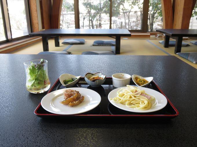 【古洞の森レストラン】地元の野菜とエゴマたっぷり ヘルシーバイキング