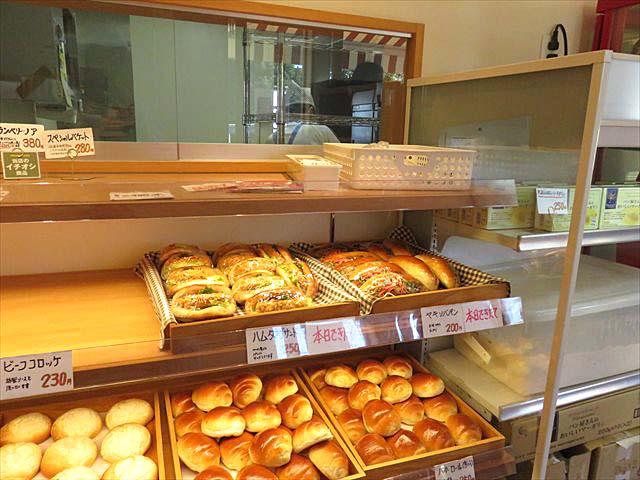 【越中岩瀬ベーカリーみや】売り切れ必死!行列のできるパン屋さん