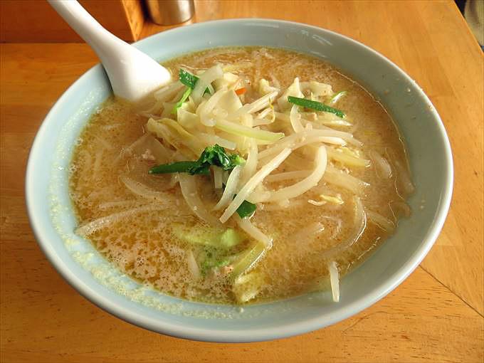 【山久ラーメン】富山で大人気!優しくもコクがある味噌野菜ラーメン