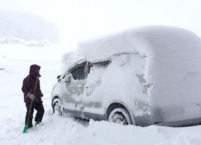 雪対策・凍結対策グッズまとめ!雪国に住むときに必須なものはこれだ