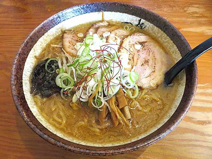 【麺屋つくし】口コミサイトで富山県1位!北陸で唯一のすみれ系味噌ラーメン