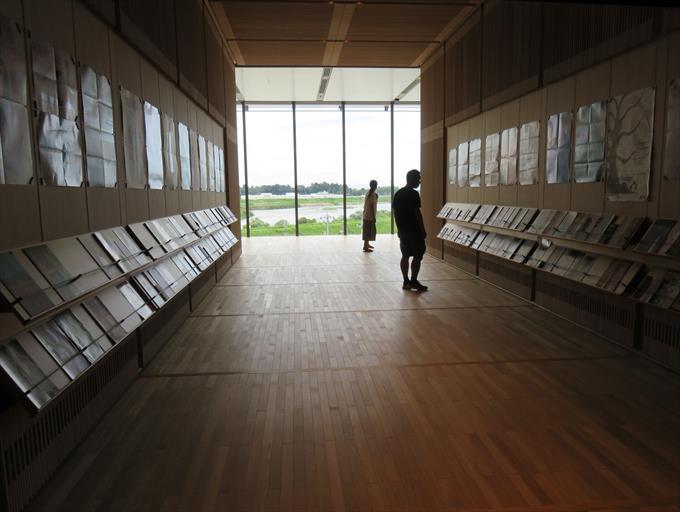 富山県美術館の内装2
