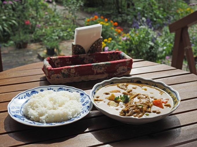 【プモ・リ】自然に囲まれながらいただくスープカレーが最高すぎた