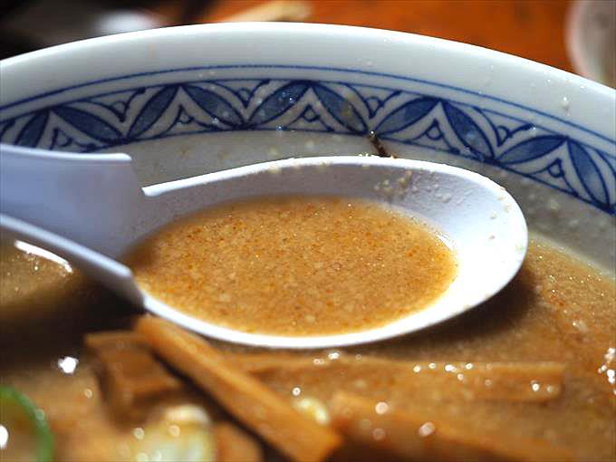 都の味噌ラーメンのスープ