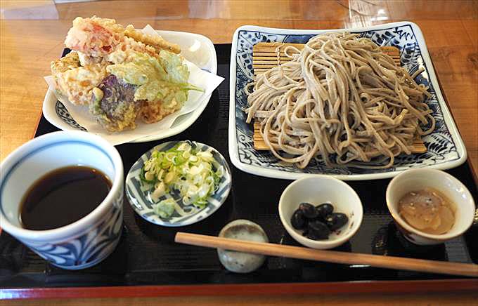 十割そば専門店「香乃庵」の味とボリュームとコスパの高さに大満足!