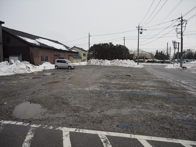 アラキの駐車場2