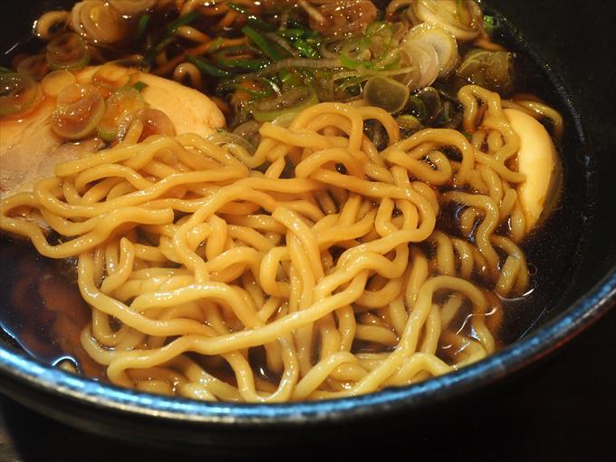 ぼんらーめんの麺