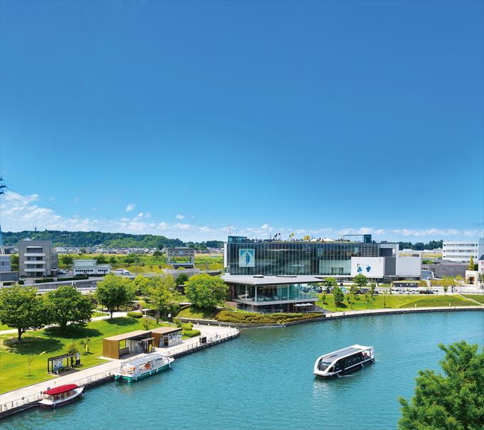 富岩運河から見える富山県美術館
