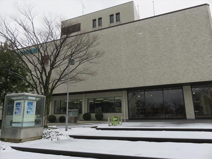 富山市科学博物館の外観