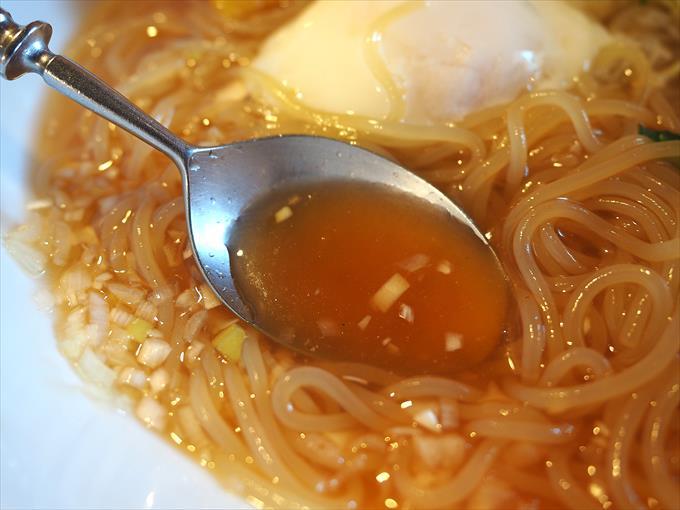 盛岡冷麺のスープ