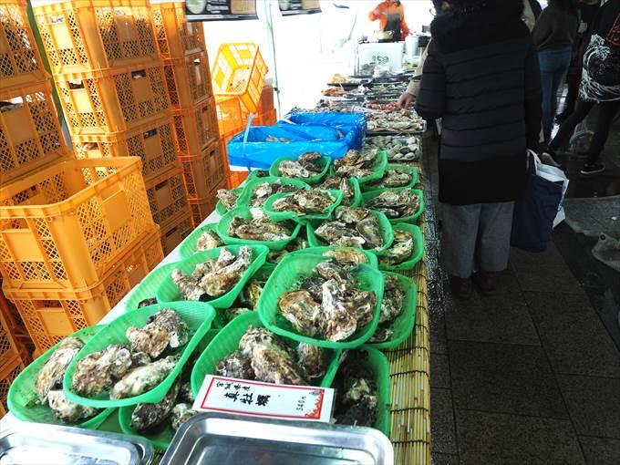 カキ小屋の牡蠣