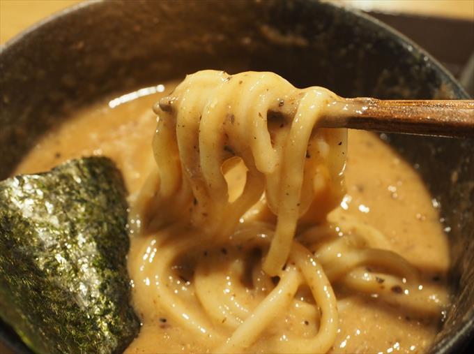 つけ麺是・空 どろつけ麺のリフト