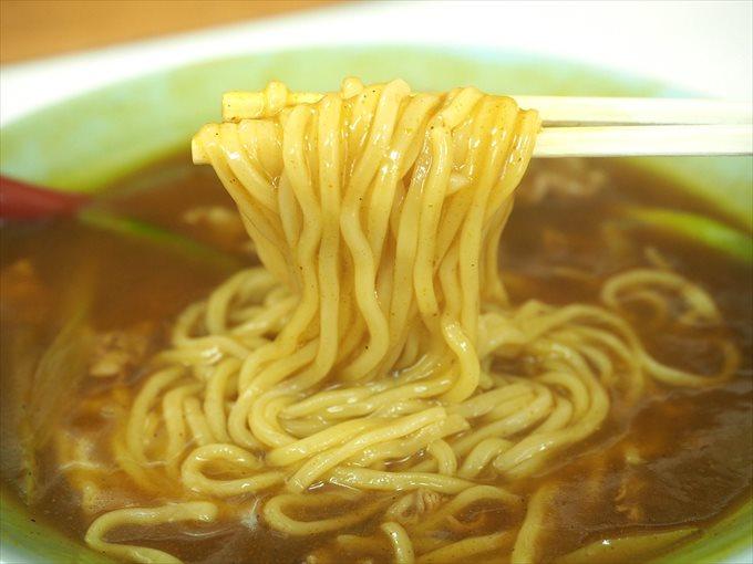 カレー中華の麺