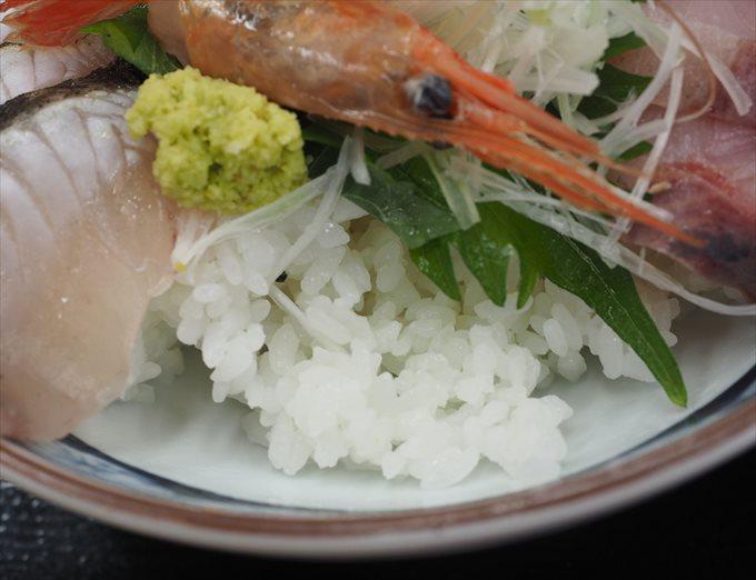 海鮮丼のシャリ