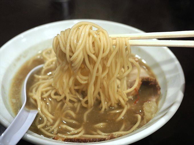 煮干しらーめんの細麺