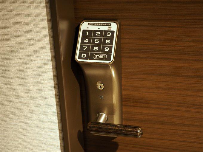 暗証番号式ドア